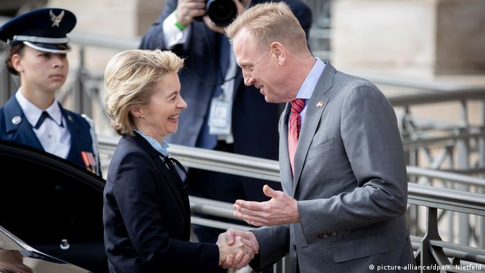 USA Verteidigungsministerin von der Leyen in Washington (picture-alliance/dpa/K. Nietfeld)