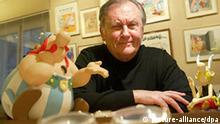 Cartoonist Albert Uderzo French author and illustrator who launched the Asterix comics strip character with author Rene Goscinny, is pictured in Paris 12 October 2009. 50 years Asterix and his village of indomitable Gauls are still gamely holding out against the Romans, while in the meantime they have become a global publishing phenomenon. Photo Philippe De Poulpiquet +++(c) dpa - Report+++ ### Verwendung nur in Deutschland, Österreich und den Niederlanden, usage in Germany, Austria and the Netherlands only ###