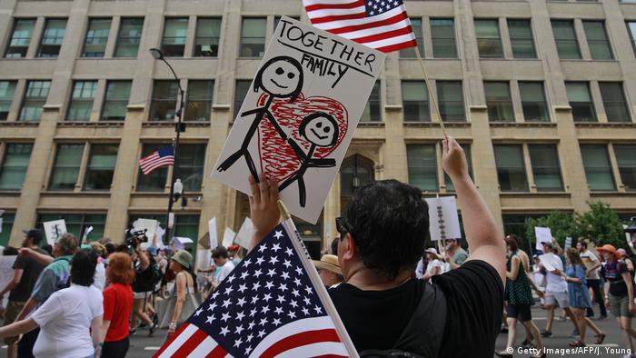 USA Chicago 2018 | Protest gegen Trennung von Einwandererfamilien (Getty Images/AFP/J. Young)