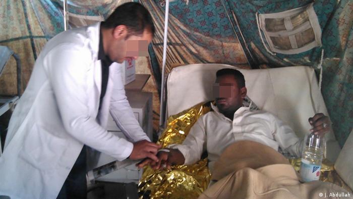 Yemen Sanaa - Cholera: Patient wird behandelt