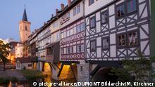 Thueringen: Kraemerbruecke in Erfurt