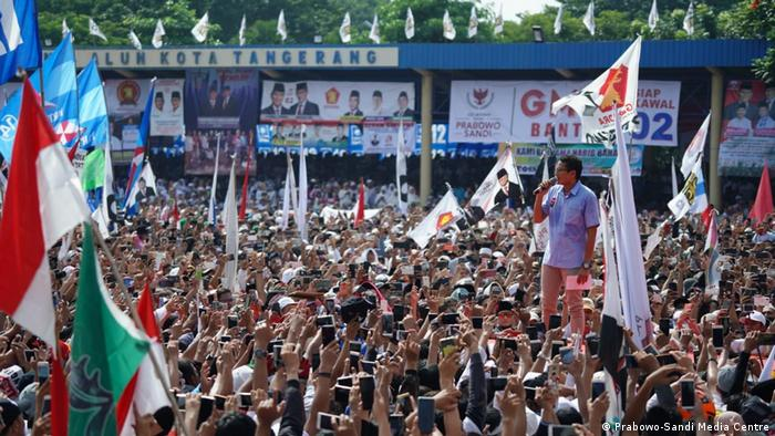 Indonesien Tangerang - Vizepräsident Sandiaga Uno bei Wahlkampfkampaqne (Prabowo-Sandi Media Centre)