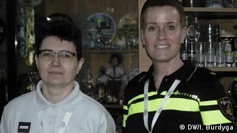 Офіцерка поліції Амстердама Мар'я Луст (праворуч) та поліцейська з Парижа Жеральдін Сежурне (ліворуч)