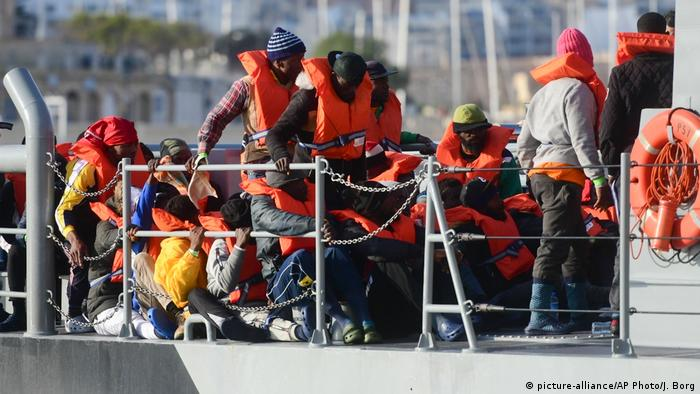 Malta Flüchtlinge in Valletta (picture-alliance/AP Photo/J. Borg)