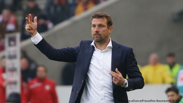Fußball Bundesliga VfB Stuttgart vs. Bayer 04 Leverkusen - Markus Weinzierl (picture-alliance/Pressefoto Baumann/H. Britsch)