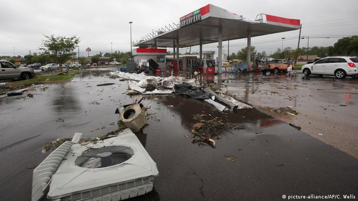 USA: Unwetter im Bundesstaat Mississippi (picture-alliance/AP/C. Wells)