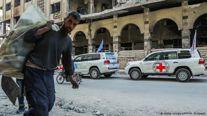 Автомобили ООН и Красного Креста в Сирии