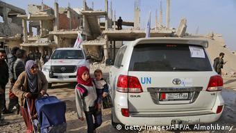 Syrien: Rotes Kreuz im Konfliktgebiet (Getty Images/AFP/A. Almohibany)