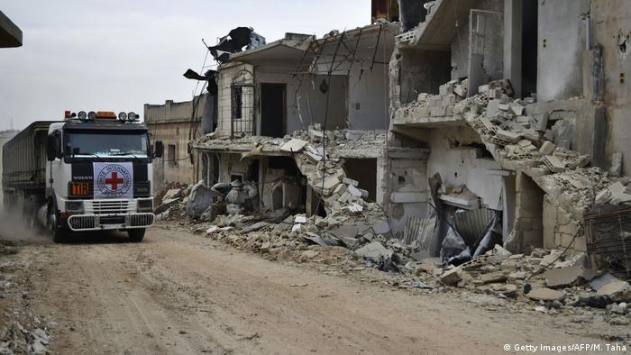 Syrien: Rotes Kreuz im Konfliktgebiet (Getty Images/AFP/M. Taha)