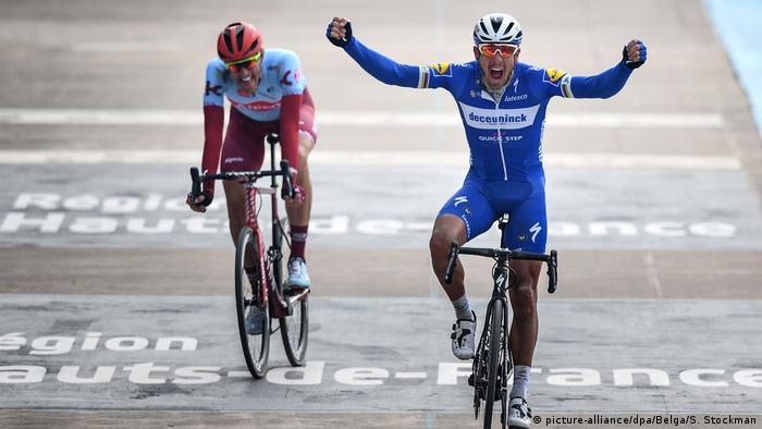 Frankreich Radrennen Paris–Roubaix 2019 | Philippe Gilbert of Deceuninck & Nils Politt
