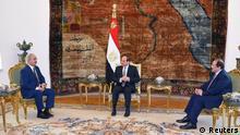 Libyscher Militärbefehlshaber Khalifa Haftar mit dem ägyptischen Präsidenten Abdel Fattah al-Sisi im Präsidentenpalast in Kairo