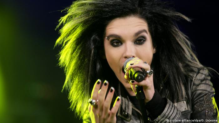 Tokio Hotel singer Bill Kaulitz performing on stage (picture-alliance/dpa/O. Lejeune)