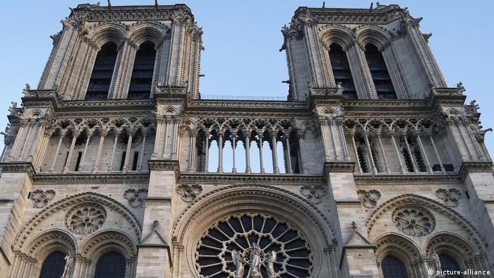 Fachada oeste da Notre-Dame