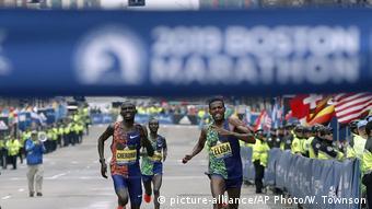 Победители Бостонского марафона 2019 года