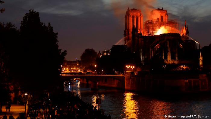 Frankreich, Paris: Brand in der Kathedrale Notre Dame (Getty Images/AFP/T. Samson)