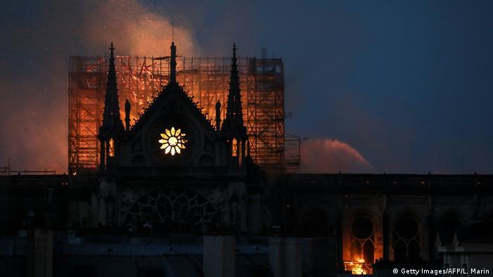 Пожежа в Нотр-Дам де Парі
