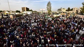 Aksi massa di Khartoum, April 2019