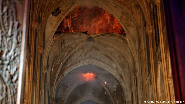 Frankreich, Paris: Brand in der Kathedrale Notre Dame (Getty Images/AFP/P. Wojazer)