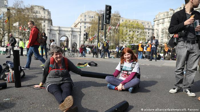 Climate protesters in London April 2019 (picture-alliance/dpa/empics/S. Parsons)
