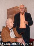 Ο Γερμανός βετεράνος Γκέρχαρντ Φράιερ με τον Βαγγέλη Αγγελάκο
