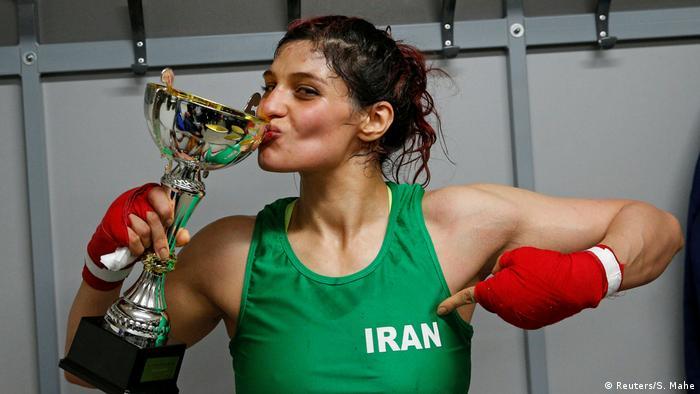زن تاریخساز بوکس برنامه سفر خود به ایران را لغو کرد. خطر بازداشت صدف خادم دلیل عدم بازگشت او به ایران اعلام شد