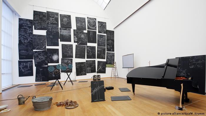 Exposición de Das Kapital Raum 1970-1977, de Joseph Beuys.
