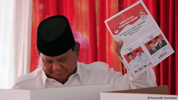 Ex-General Prabowo Subianto hat schon zweimal gegen Joko Widodo verloren (Foto: Reuters/W. Kurniawan)