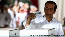 Indonesien - Präsidentschaftswahl: Joko Widodo gibt seine Stimme ab