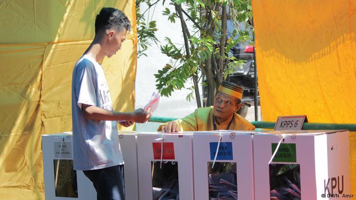 Indonesien Makassar - Präsidentschaftswahl : TPS Bugis (DW/N. Amir)