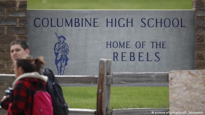 Columbine Highschool (picture-alliance/dpa/D. Zalubowski)