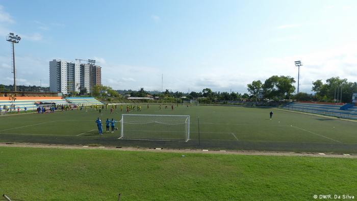 Fußball-Stadion Costa do Sol in Mosambik