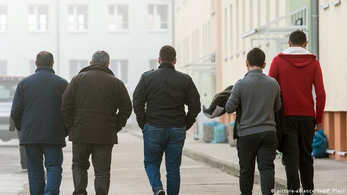 Deutschland Asylbewerber (picture-alliance/dpa/P. Pleul)