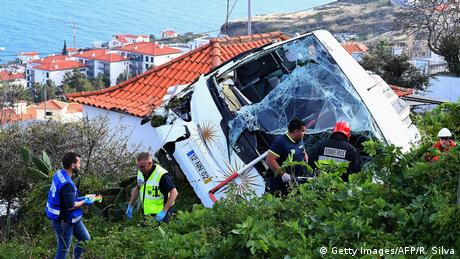 Portugal Busunglück auf Madeira (Getty Images/AFP/R. Silva)