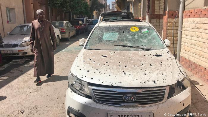 Libyen Bereits mehr als 200 Tote bei Kämpfen um die Hauptstadt Tripolis (Getty Images/AFP/M. Turkia)