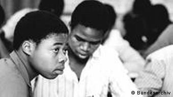 Estes 26 moçambicanos receberam uma formação de quatro anos na empresa VEG Tierproduktion Görlsdorf. Um dos primeiros passos foi a aprendizagem da língua alemã.