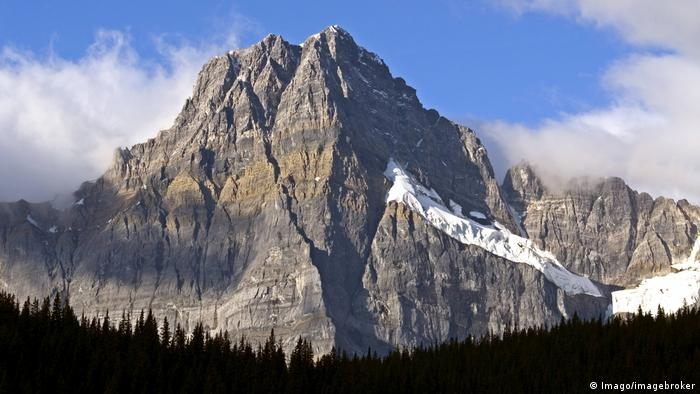 Elite mountain climbers' bodies retrieved from Rocky Mountains
