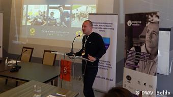 Mostar Ausstellung Westbalkan Gleichstellung der Geschlechter Petkovic Sasa (DW/V. Soldo)