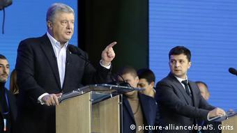 Порошенко и Зеленский на предвыборных дебатах на стадионе Олимпийский