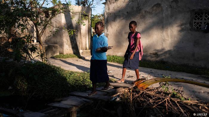 Kinder in Mosambik nach Idai Ziklon brauchen Hilfe (UNICEF)