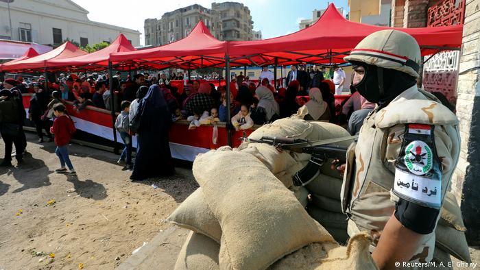Ägypten hält Referendum über Verfassungsänderungsentwürfe ab (Reuters/M. A. El Ghany)
