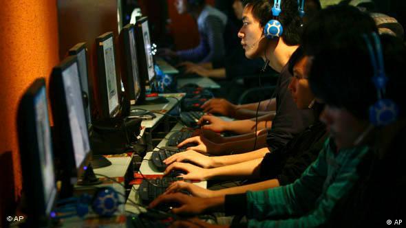 Symbolbild China Internet Internetcafe lan party zensur