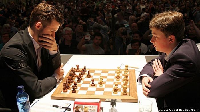 Deutschland Grenke Chess Classic 2019   Magnus Carlsen gegen Vincent Keymer