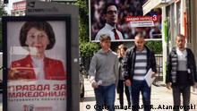 Nord-Mazedonien Wahlplakate vor der Präsidentenwahl in Skopje