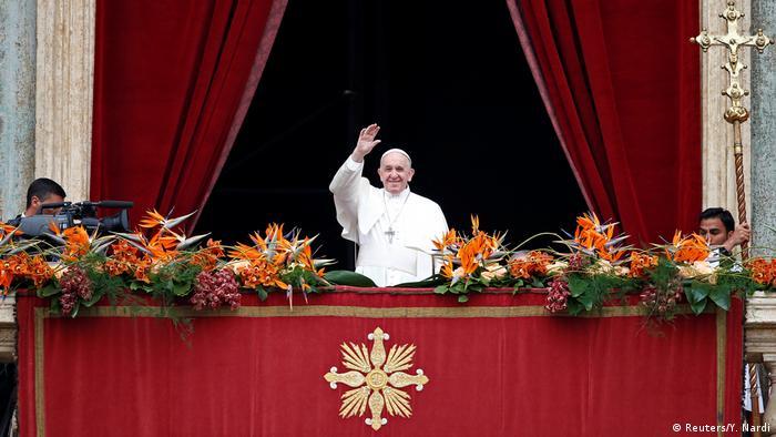 Vatikan Ostermesse   Papst Franziskus (Reuters/Y. Nardi)