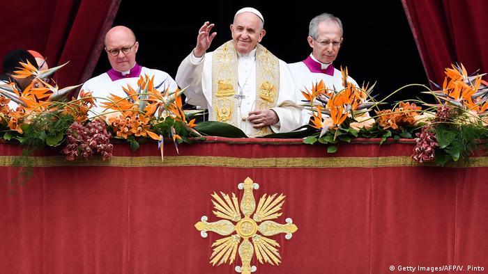 پاپ: گفتوگو را بر خشونت مقدم بدانید