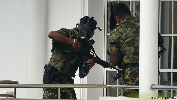 Sri Lanka Razzia der Special Task Force (STF) in Colombo (AFP/I. S. Kodikara)