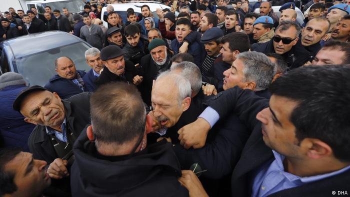 Unidentified men attack Turkish opposition politician Kemal Kilicdaroglu