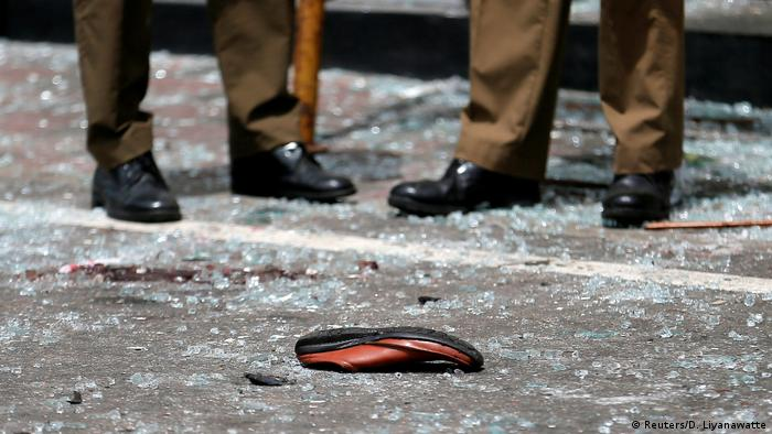 A shoe of a victim is seen in front of the St. Anthony's Shrine, Kochchikade church after an explosion in Colombo, Sri Lanka April 21, 2019 (Reuters/D. Liyanawatte)