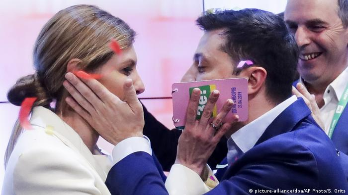 Ukraine | Präsidentschaftswahlen | Reaktion Wolodymyr Selenskyj (picture-alliance/dpa/AP Photo/S. Grits)