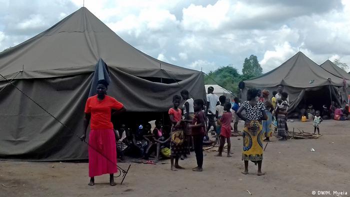 Mosambik   Umsiedlungszentrum in Namitangurin